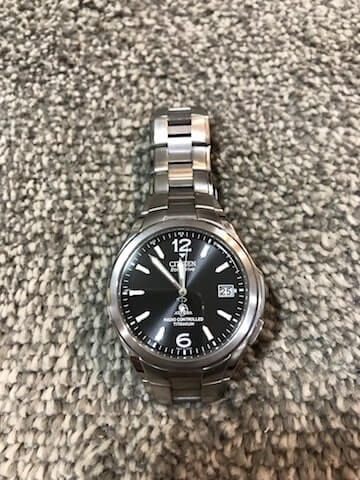 シチズンのチタン製腕時計