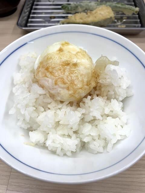 天つゆをかけた天ぷら卵