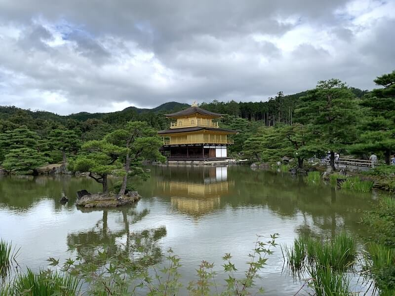金閣寺遠景
